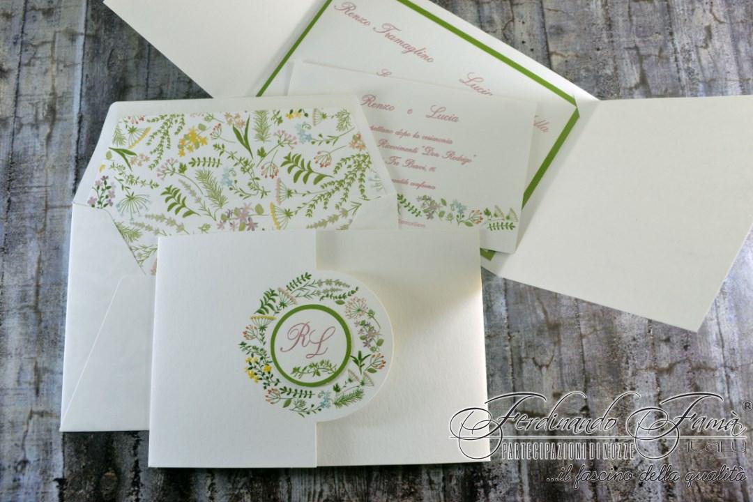 Partecipazione di nozze con decori floreali a colori 96357