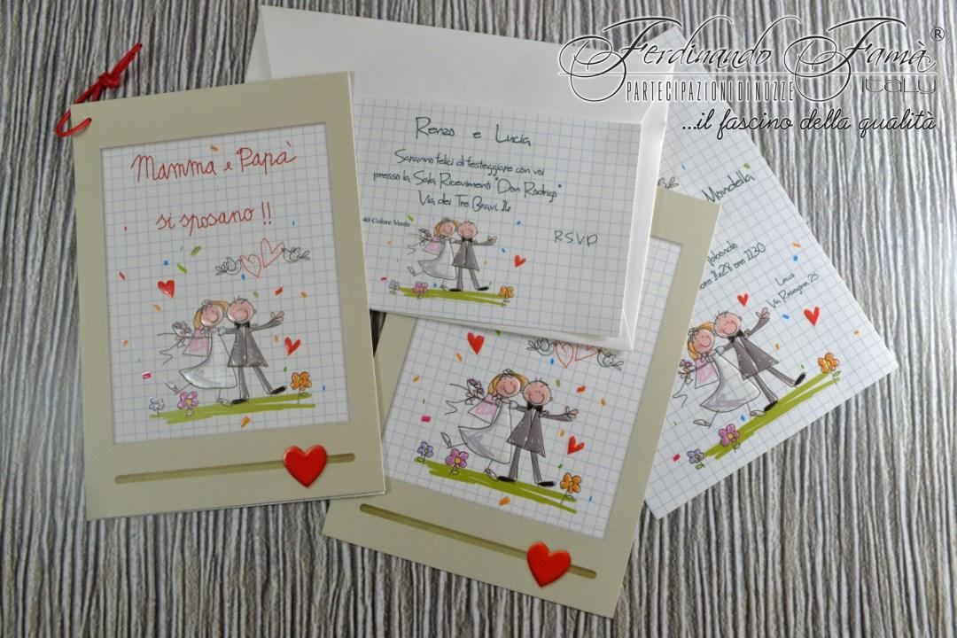 Partecipazione di nozze rettangolare con stampa sul fronte di sposini spiritosi e nastro rosso 96361