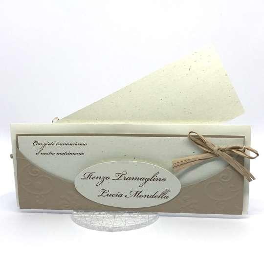 Partecipazione di matrimonio in carta cipria e riciclata F1545