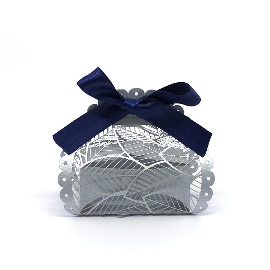 scatolina porta confetti foglie in carta perlata argento
