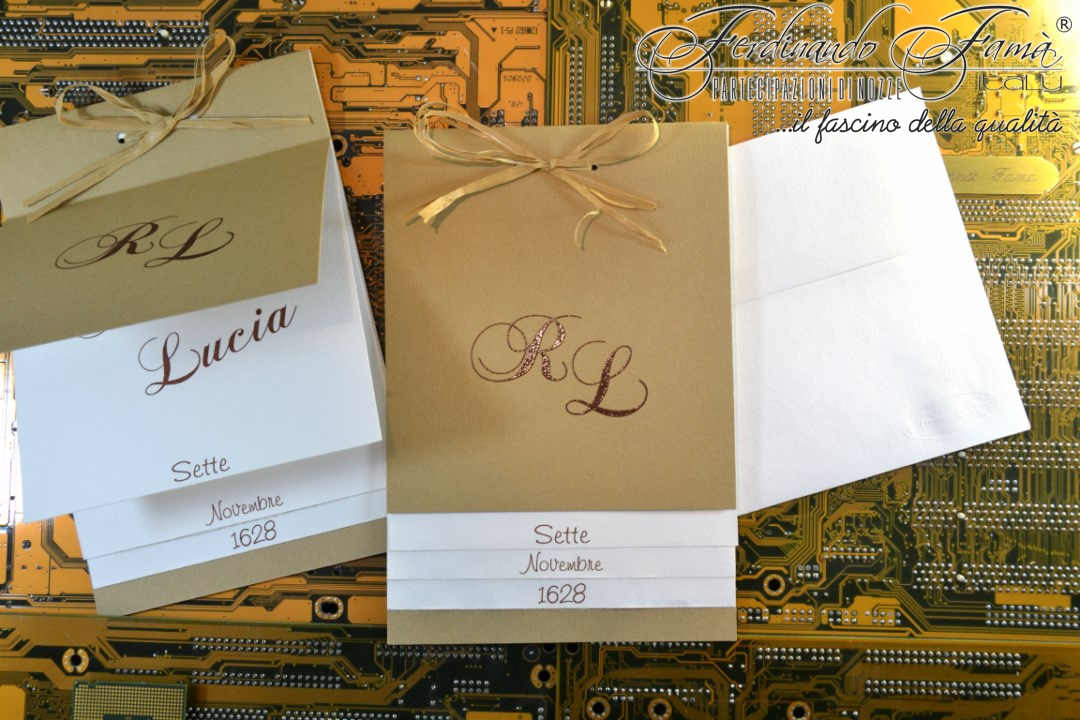 Partecipazioni Matrimonio Carta Kraft.Partecipazione Di Nozze In Carta Kraft Marrone Chiaro E Fiocco In