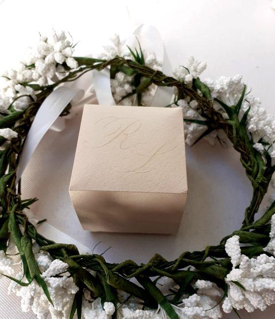Scatolina porta riso matrimonio rosa cipria con iniziali sposi